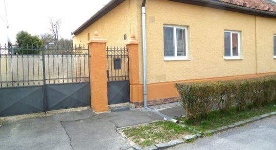Na predaj rodinný dom, Lučenec, v blízkosti parku, Top lokalita