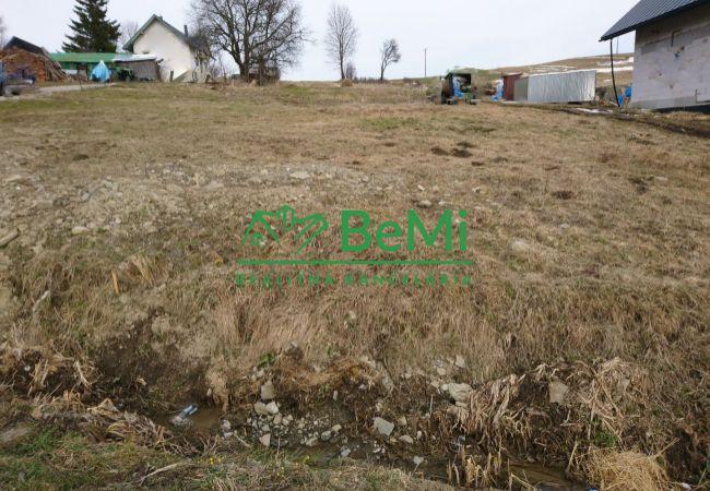 Predaj: stavebný pozemok Oravské Veselé ID:047-14-JAH