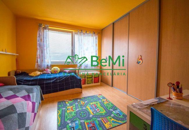 Exkluzívne - Predaj 3.izbového bytu v meste Vráble