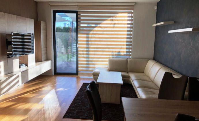 Krásny priestranný byt so záhradkou a vírivkou, parkovacie miesto, Koliba