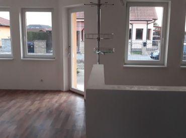 JJ Reality - 5. izb rodinný dom na pozemku 500 m2  /HVIEZDOSLAVOV/