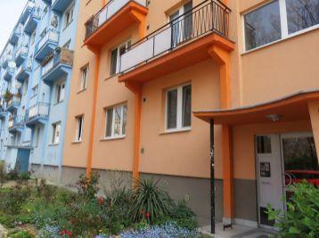 BA II. Prenájom 2 izboveho bytu na Sklenarovej ulici v Ružinove