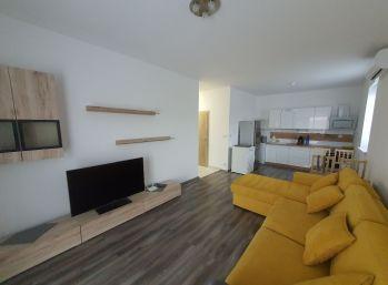Zariadený 2 - izbový byt s terasou - Novostavba