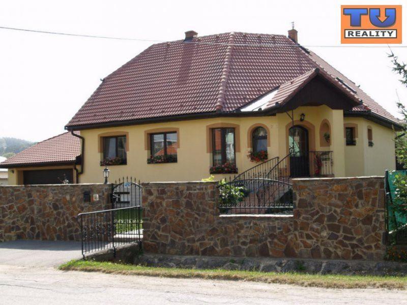 Exkluzívny rodinný dom s bazénom, Župčany, iba 8 km od Prešova, poz. 1252 m2. CENA: 1 252,00 EUR