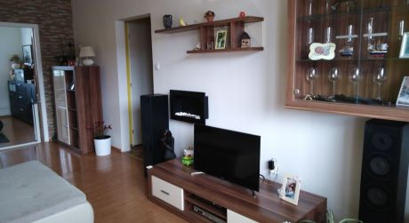 Kuchárek-real: Ponuka 2 izbového bytu na Muškátovej. ul. Pezinok.