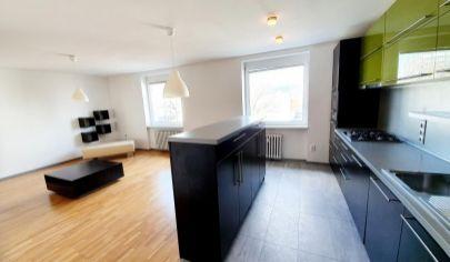 EXKLUZÍVNE NA PREDAJ: slnečný, 2i byt, 3./5p., tehla, 67m², výborná poloha, Ružinov - Trenčianska ul.
