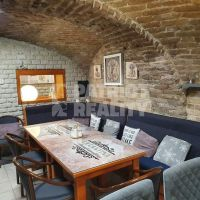 Reštaurácia, Komárno, 135 m², Kompletná rekonštrukcia