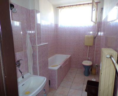 Na predaj 2 izbový byt 52 m2 Nováky 70046