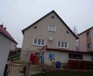 Na predaj rodinný dom 841 m2 Prievidza 70047