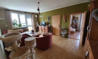Príjemný 3 izbový byt s krásnym výhľadom na okolie a dostupnosťou do CENTRA  MESTA 2min.