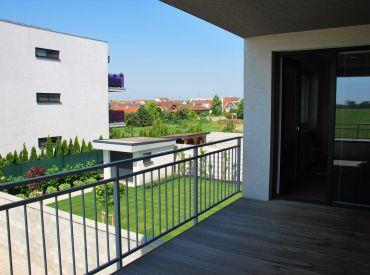 NOVOSTAVBA 2-izbový byt s veľkou terasou, pivnicou a 1 park. státím
