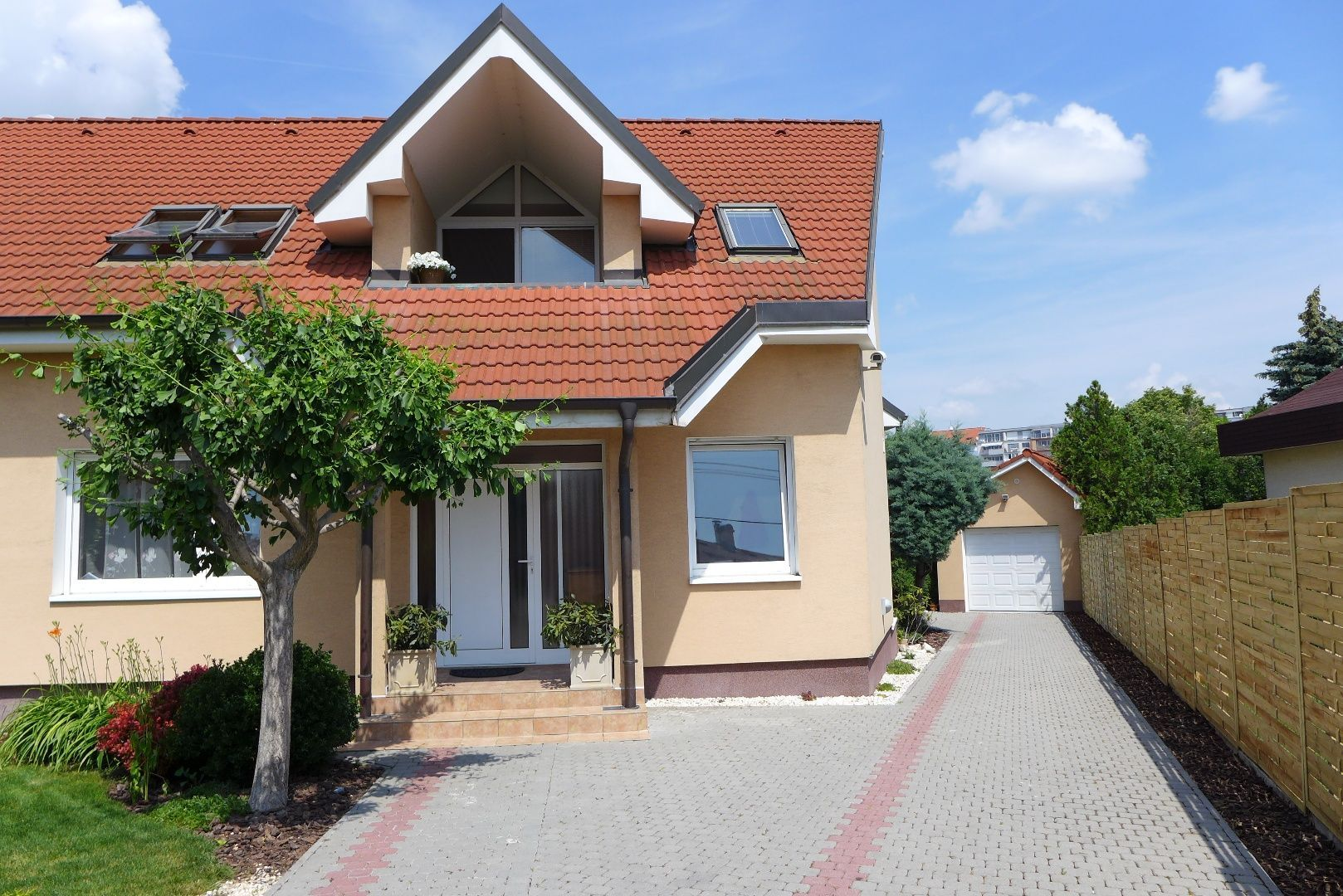 Rodinný dom-Predaj-Senec-355000.00 €