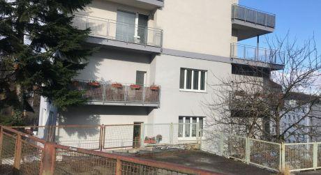 Útulný 3 izbový byt s priestranným balkónom v Starom meste je na prenájom