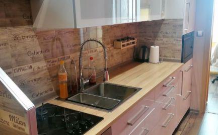 Ponúkame veľmi pekný 2 izbový byt v centre mesta Malacky