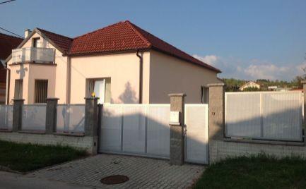 Na prenájom kompletne zrekonštruovaný 4i rodinný dom s garážou v Lamači.