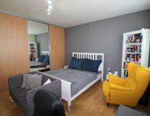 NA PREDAJ zariadený 1 byt po rekonštrukcii, PETRŽALKA, vyhľadávaná lokalita. BLÍZKO JAZERA DRAŽDIAK.