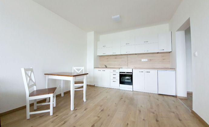 Prenájom 2i bytu s výhľadom na hrad v novostavbe Rodinné byty Zlatovská