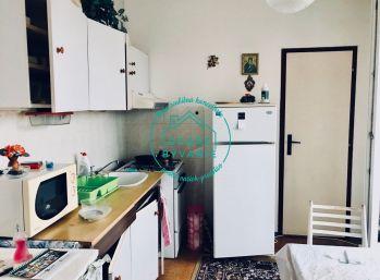 REZERVOVANÝ! Na predaj 2-izbový byt v pôvodnom stave lokalita JUH