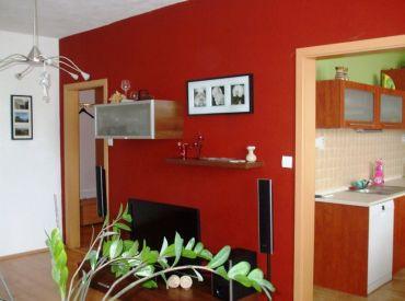 REZERVOVANÉ! Klimatizovaný 2- izbový byt, kompletná rekonštrukcia, Nitra