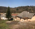 Zrekonštruovaný rodinný dom 2+1, pozemok 885 m2, Hrachovište / okr. Nové Mesto nad Váhom