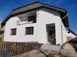 okr. GALANTA - obec Veľké Úľany - NA PREDAJ 8 izbový veľký, dvojgeneračný poschodový rodinný dom s pivnicou