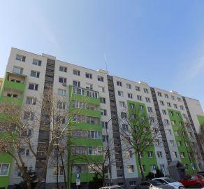 STARBROKERS - 4 izb. kompletne rek. byt,  možnosť vstúpiť do rekonštrukcie, ul.  Ľ. Fullu, Dlhé diely