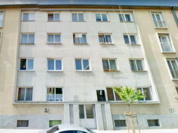 ELIMARK - PRENÁJOM , 2 izb BYT s BALKÓNOM, 61 m2, Námestie SNP, Piešťany