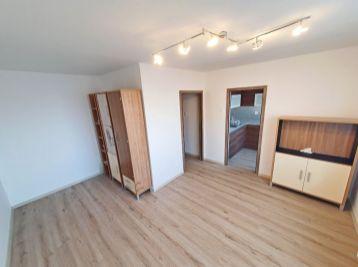 ELIMARK - PRENÁJOM , 1 izb BYT s výťahom, 30 m2, Čilistovská ulica - ŠAMORÍN