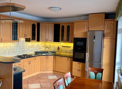 Ponúkame na predaj 4 izbový byt s loggiou v novostavbe vo výborne dostupnej časti Ružinova na Ľanovej ulici.