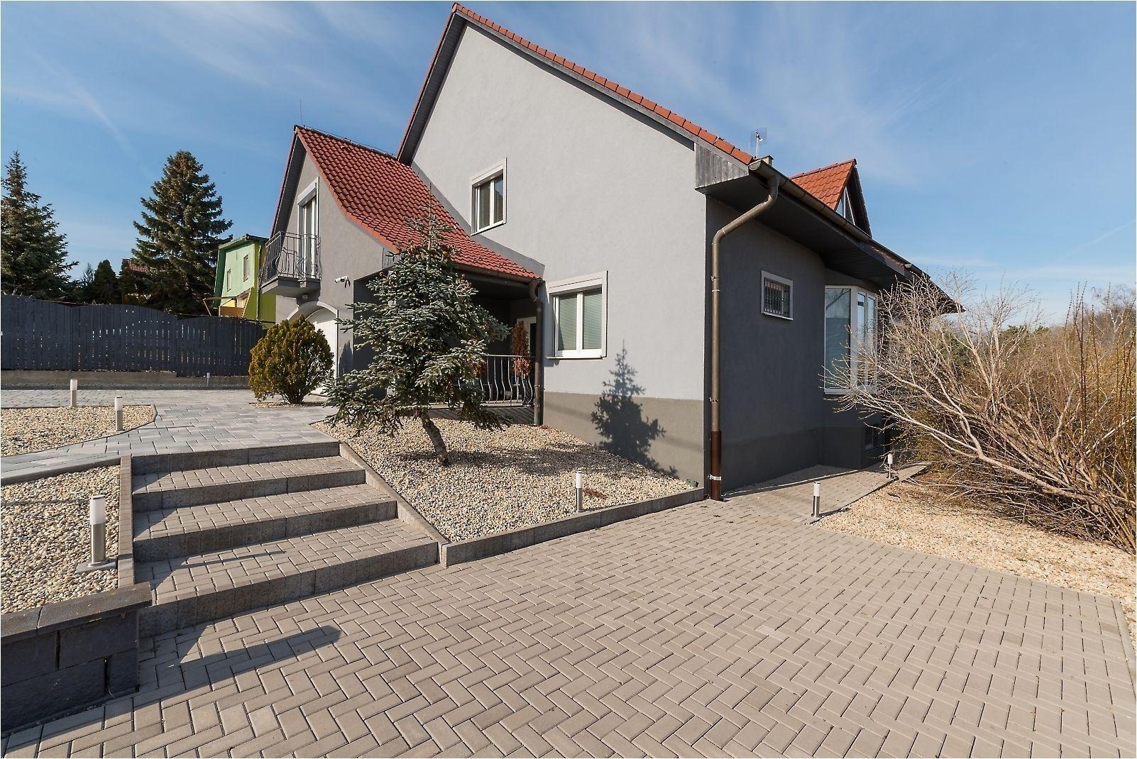 Rodinný dom-Predaj-Košice - mestská časť Pereš-449000.00 €