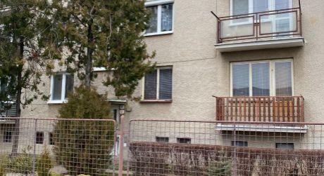 Predaj - rekonštruovaný 3 izbový byt pri centre Hurbanova s garážou a záhradou. ODPORÚČAM !
