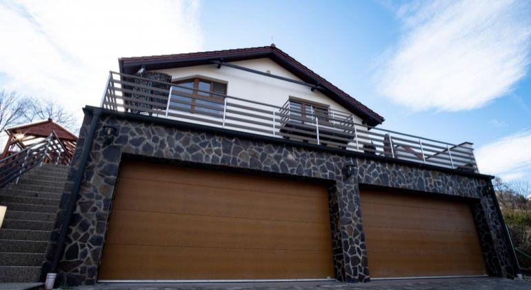 Na predaj 3-podlažná rodinná vila v tichej a žiadanej časti Limbachu v Slnečnom údolí