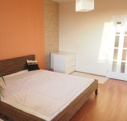 StarBrokers- PREDAJ: Krásny slnečný 3-izb. byt pri Draždiaku, 2 loggie, Rovniankova ul.