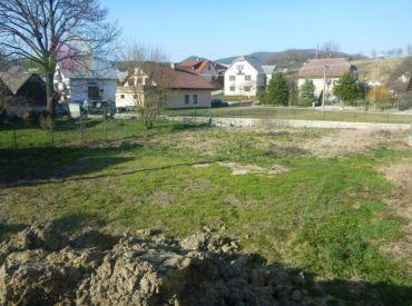 Predám Stavebný pozemok Pružina - 500 m2