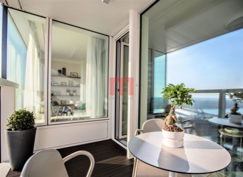 PREDANÝ - Na predaj moderný štýlovo zariadený 2 izbový byt v PANORAMA CITY s výhľadom na Dunaj
