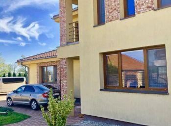 Ponúkame na predaj nadštandardný Rodinný dom v tichej lokalite
