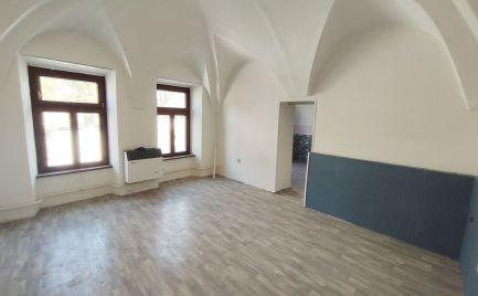 PRENÁJOM 2 izbový byt v centre - Holubyho ulica, Pezinok - Expisreal