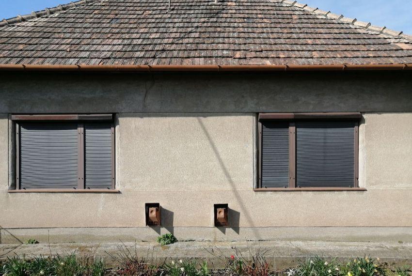 Predaj Rodinné domy Šarovce-1