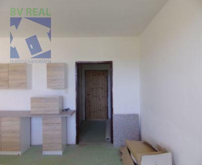 Predaj garsónky 22 m2 Žiar nad Hronom 90001