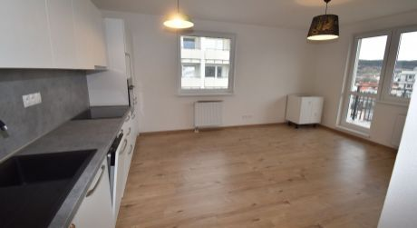 Na prenájom 2 izbový byt s lodžiou v novostavbe+garáž, 56 m2, Trenčín, ul. Zlatovská