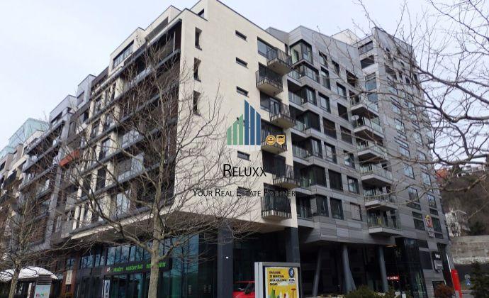 BA I Staré Mesto River Park prenájom 4 izbového exkluzívneho bytu s terasou s výhľadom na Dunaj s 2x garážovým státím