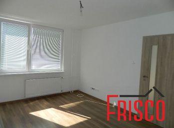 Predáme kompletne prerobený 1-izb. byt v Seredi