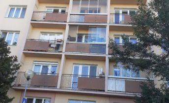 Ponúkame Vám na prenájom zariadený garsónka Bratislava-Rača,  Račianska.