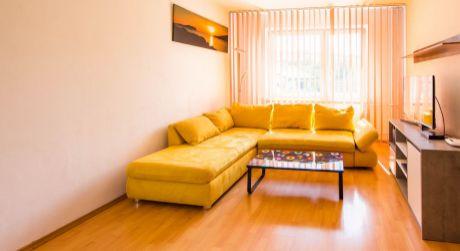 EXKLUZÍVNE Prenájom 3-izbový byt s internetom a TV v cene