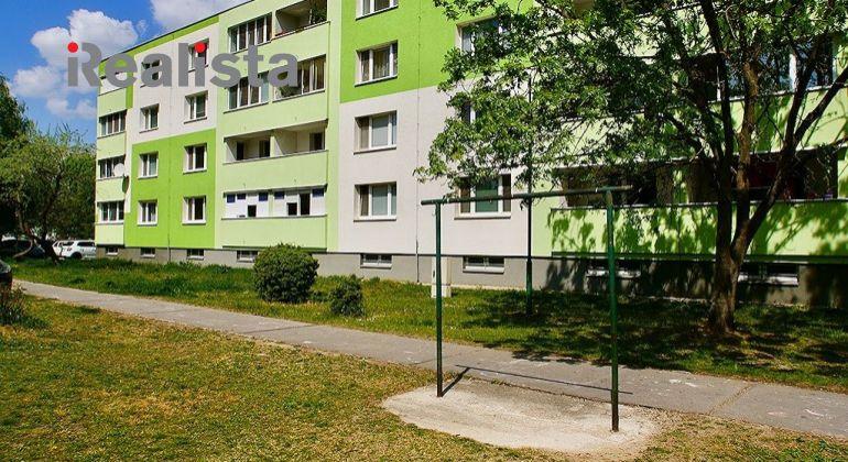 REZERVOVANÉ - Kompletne zrekonštruovaný, zariadený, klimatizovaný 3 izbový byt - Šamorín, Dunajská ul.