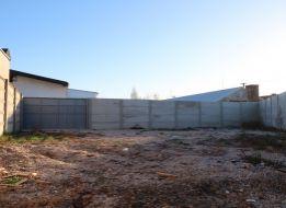 170 m2 OHRADENÝ POZEMOK V SENCI v priemyselnej časti.