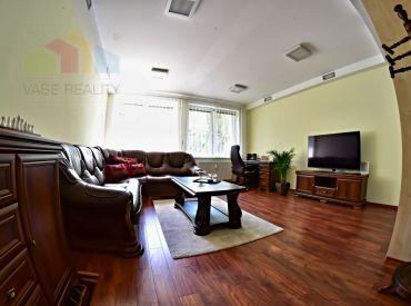 VÝMENA - Kompletne zrekonštruovaný 4-izbový byt + KK, 91 m2, Krížna ulica, Bratislava-Staré mesto