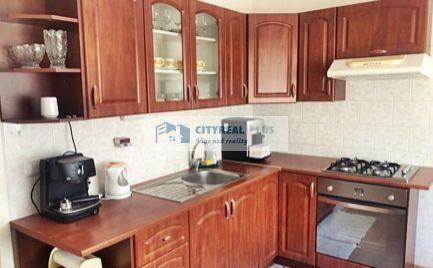 Prenajmeme 2-izbový byt s balkónom na ulici Nábrežná