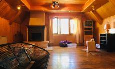 Poschodová drevená chata s uzatvoreným dvorom, Zemplínska Šírava - Prímestska
