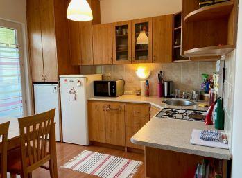 Prenajmeme pekný 3 izb. v Petržalke na Vigľašskej ulici.
